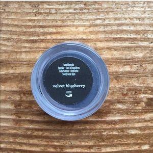 💰 5/$25 Velvet Blueberry Eyeshadow Bare Minerals